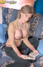 Dildos: Sharona Gold