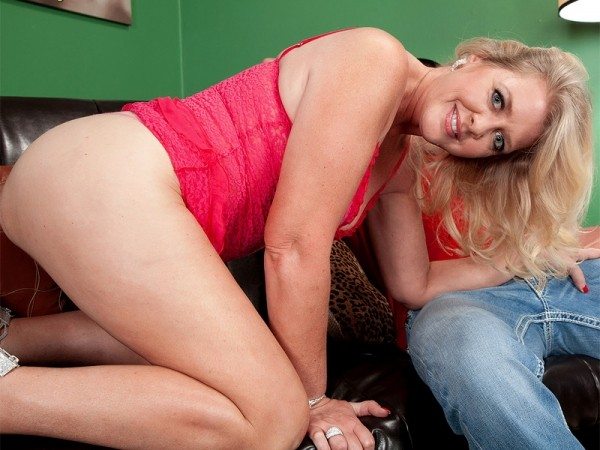 This creampie begins with Kay